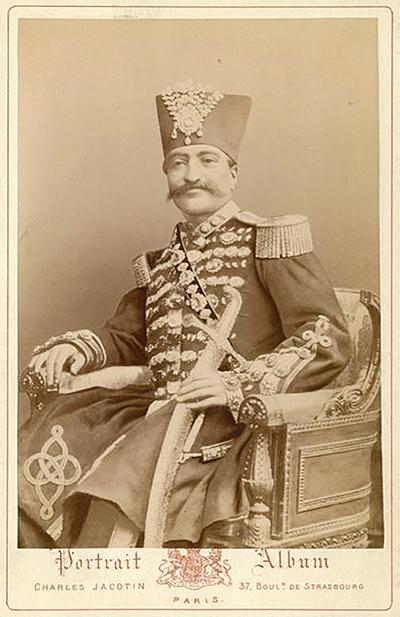 کارت ویزیت ناصرالدین شاه قاجار - عکس از چارلز ژاکوتین – اواسط سده نوزدهم میلادی